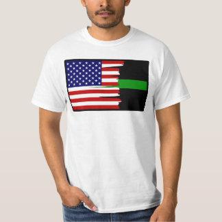 Tattered amerikanische Flaggen-dünn grüne Linie T T-Shirt