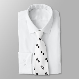 Tatze druckt Krawatte