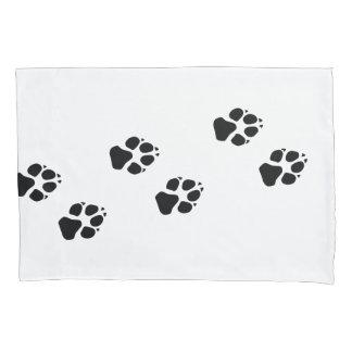 Tatzendrucke eines Hundes Kissen Bezug