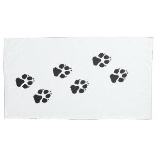 Tatzendrucke eines Hundes Kissenbezug