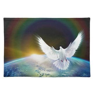 Taube von Friedensheiliger Geist über Erde mit Tischset