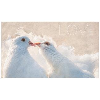 Tauben küssen - Liebe Tischdecke