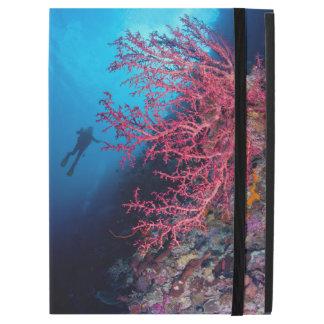 Taucher-und weiches korallenrotes iPad Profall
