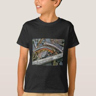 Tausendfüßer-Reihen-Einzelteile T-Shirt