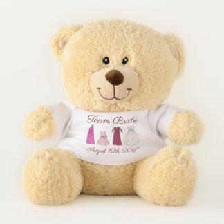 Team-Braut-Hochzeits-Brautparty bekleidet Teddybär