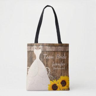 Team-Braut in der rustikalen hölzernen Tasche