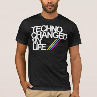 TECHNO CHAGED MEIN LEBEN!!! IM SCHWARZEN JETZT!! T-Shirt
