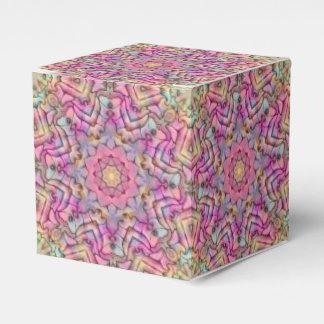 Techno färbt klassischen Kasten der Geschenkschachtel