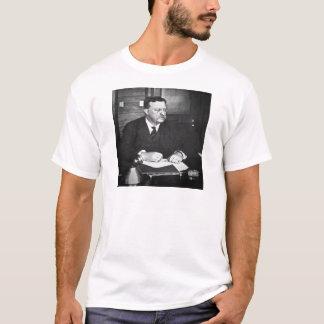 Teddy Roosevelt bei der Arbeit im Jahre 1912 T-Shirt