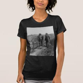 Teddy Roosevelt und John Muir in Yosemite T-Shirt