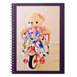 Teddybär betreffen ein Dreirad Notizblock
