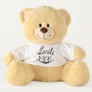 Teddybär lässt Ihre Mutter lächeln