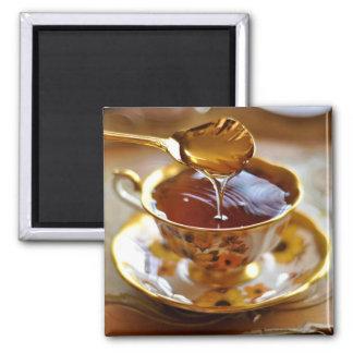 Tee mit Honig-Magneten Quadratischer Magnet