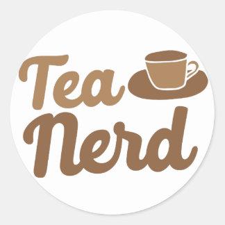 Tee-Nerd mit Schale Runder Aufkleber