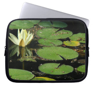 Teich-Wasser-Garten-Wasserlilie-Blume Laptopschutzhülle