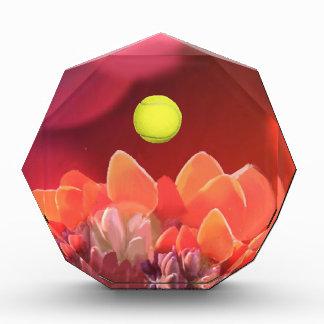 Tennisball in der wilden Blume Auszeichnung