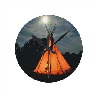 Tepee-NachtCampings-Wand-Uhr Runde Wanduhr