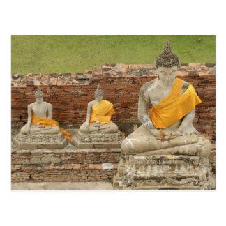 Thailand, Ayutthaya. Statuen der sitzenden buddhas Postkarte