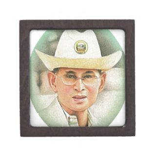 Thailändischer König Bhumibol Adulyadej - Schachtel