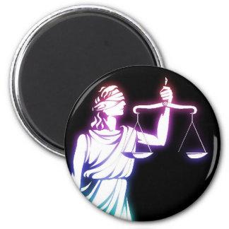 Themis   Skalen von Gerechtigkeit Runder Magnet 5,1 Cm