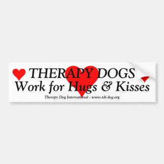 Therapie-Hundearbeit für Umarmungen u. Küsse Autoaufkleber