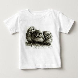 Three Funny Little Cuddling Owls Baby T-shirt