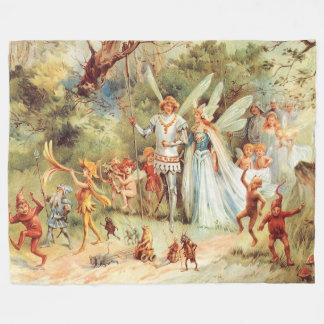 Thumbelinas Hochzeit im Wald Fleecedecke