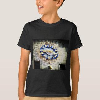 Tierkreis-Uhr in München T-Shirt