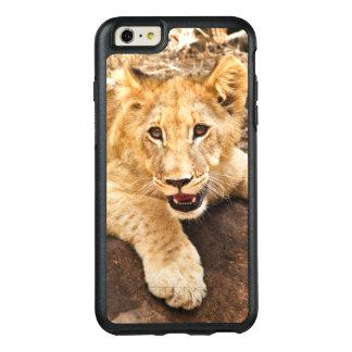 Tiger CUB nimmt Verschnaufpause auf einem Felsen OtterBox iPhone 6/6s Plus Hülle