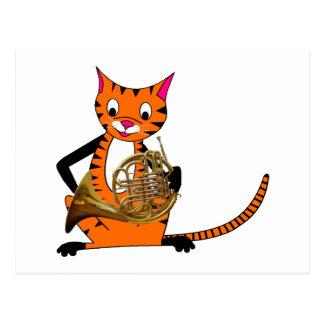 Tiger, der das französische Horn spielt Postkarte