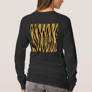 Tiger-Druck-Muster. Orange und Schwarzes T-Shirt