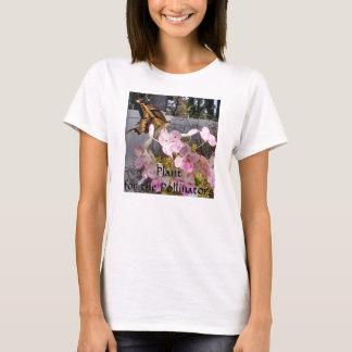 Tiger-Frack-Schmetterling auf Hydrangea T-Shirt