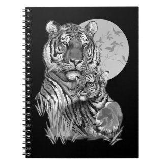 Tiger mit CUB (B/W) Notizbuch Notizblock