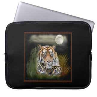 Tiger und Junge Laptop Sleeve