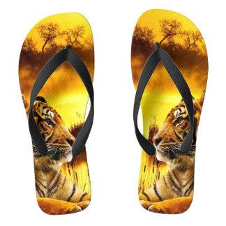 Tiger und Sonnenuntergang Flip Flops