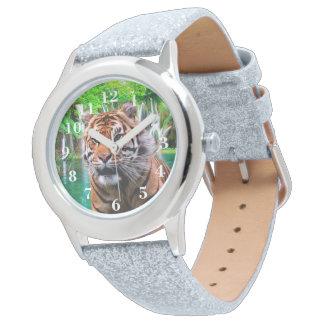 Tiger und Wasserfall Uhr