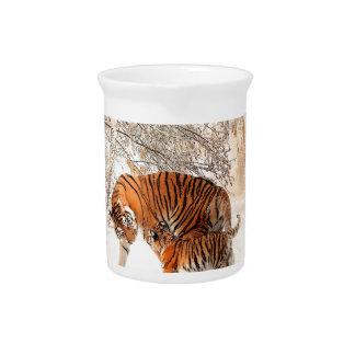 Tigress und CUB Getränke Pitcher