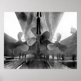Titanische Propeller Plakatdrucke