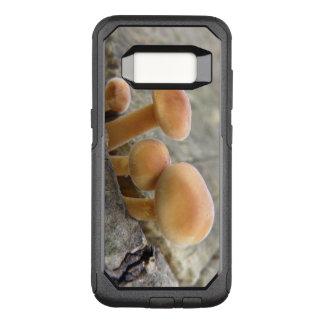Toadstools auf einem Baum-Stamm-Telefon-Kasten OtterBox Commuter Samsung Galaxy S8 Hülle