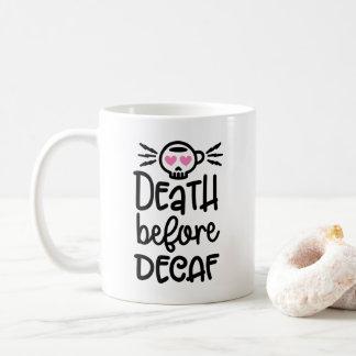 Tod vor Tasse des Decaf-11oz