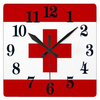 Tonga-Insel-Flaggen-rotes Kreuz Quadratische Wanduhr