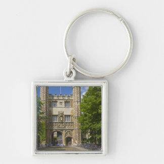 Tor zur Dreiheits-Uni und zu den Reihen der Fahrrä Silberfarbener Quadratischer Schlüsselanhänger