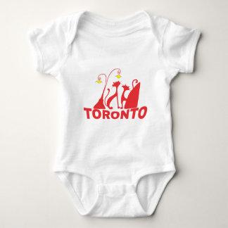 Toronto 1 baby strampler