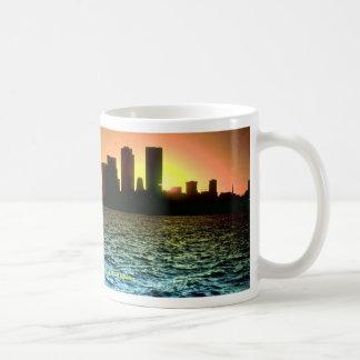 Toronto-Skyline am Sonnenuntergang, genommen vom Tasse