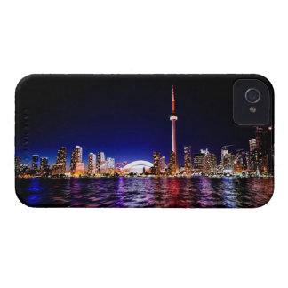 Toronto-Skyline nach Sonnenuntergang iPhone 4 Hüllen