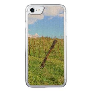 Toskanischer Weinberg Carved iPhone 8/7 Hülle