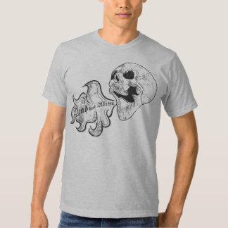 Tot aber lebendig shirt