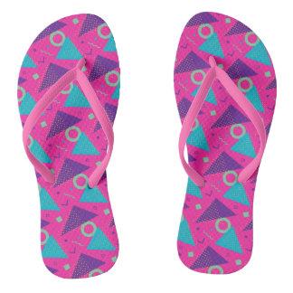 Total Achtzigerjahre Pink-Dreiecke geometrisch Flip Flops