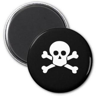 Totenkopf mit gekreuzter Knochen-Piraten-Magnet Runder Magnet 5,7 Cm