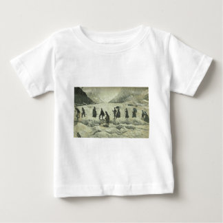 Touristen, die den Gletscher kreuzen Baby T-shirt